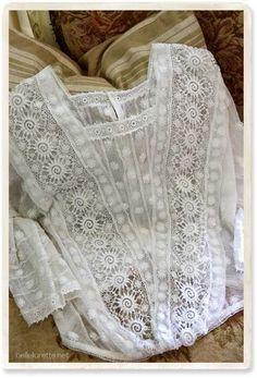 Blusas blancas Estilo Hippie, Hippie Chic, Blouse Styles, Blouse Designs, Boho Fashion, Vintage Fashion, Fashion Design, Vintage Dresses, Vintage Outfits