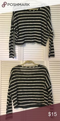 Pacsun Striped Loose Knit Longsleeve A long sleeve loose knit semi-cropped top that is see-through but perfect with a cute bralette or tank underneath. From brand LA Hearts at Pacsun. In great condition, worn less than 5 times. Will send out to be shipped the next day! PacSun Tops Tees - Long Sleeve