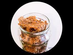 smoked flaxseed cracker, taste like smoked bacon - langsamfood Flaxseed, Smoked Bacon, Grain Free, Crackers, Glutenfree, Snacks, Vegan, Recipes, Food