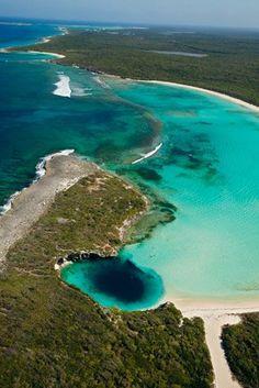 Pozas azules de las Bahamas                                                                                                                                                                                 Más