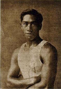 Duke Kahanamoku - the King of Modern Day Surfing