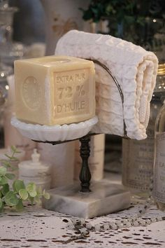「Vintage Soap Dish Towel Holder