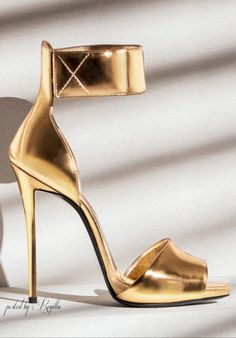 .GOLD | my sexy shoes 1
