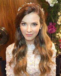 Bom dia tchês! Segue o look de ontem �� . . #marriage #model #job #modeling #bride #wedding #weddingdress #weddinginspiration #makeup #beauty #hair #photoshoot #dress http://gelinshop.com/ipost/1523881823988780585/?code=BUl6nHuho4p