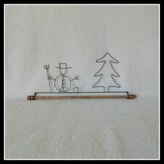 Snowman With Evergreen Quilt Hanger ~ Gray Wire ~ 16 or 22 Inches Wide ~ Made in the USA Christmas Signs, Christmas Crafts, Quilt Hangers, Wire Hangers, Wool Applique, Wire Art, Evergreen, Snowman, Craft Supplies