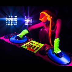Glow Party UV Blacklight Glow Paint-Face Body Paint-UV Reactive Neon Glow Makeup Paint Set For Glow In The Dark Blacklight UV Fluorescent Parties- 8 Safe Washable Colors  Glow Party UV Reactive Paints are just what you need to get the party started.  8 Beautiful Vibrant Colors will help you create whatever and wherever your imagination can take you. They are great fun for children's parties' day or night.  These Face Makeup Paints are fun and easy to apply and will glow brightly at Disco…