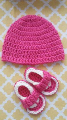 Crocheted Girls Baby Flip Flop Sandals n Hat Set, Newborn 0-3 mos   by starbasset #Baby #Crochet #BabyAccessories