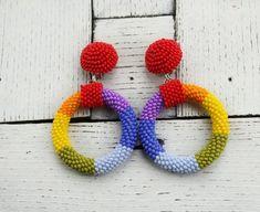Rainbow small hoop earrings in the style Oscar de la renta Beaded Earrings, Beaded Jewelry, Crochet Earrings, Hoop Earrings, Beaded Bracelets, Unique Jewelry, Craft Shop, Fabric Jewelry, Shakira