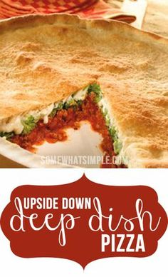 Upside-down deep dish pizza recipe - a great dinner recipe to have on hand! Vegetarian Pizza Recipe, Deep Dish Pizza Recipe, Pizza Recipes, Cooking Recipes, Upside Down Pizza, Great Recipes, Favorite Recipes, Easy Homemade Pizza, Good Pizza