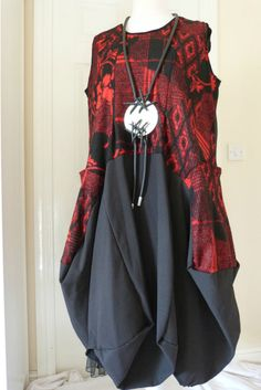 stunning designer quirky/lagenlook SHE parachute dress size red/black sz x LARGE #SHE #dress