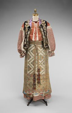This Bulgarian folk ensemble features a variety of embroidery stitches and motifs and demonstrates an extraordinary intricacy overall. The other components in this ensemble include a blousea second skirt an aprona bodice, a belt and a stole Folk Clothing, Historical Clothing, Lesage, Costume Collection, Ethnic Dress, Textiles, Costume Institute, Folk Costume, Fashion History