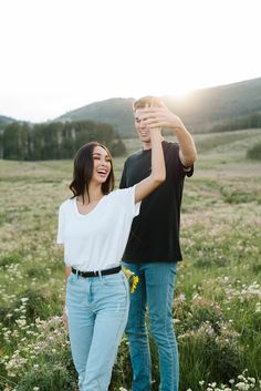 Amber Lynne Photography, Utah engagement pictures, utah engagement pictures s. Photo Poses For Couples, Couple Photoshoot Poses, Cute Couples Photos, Couple Photography Poses, Couple Posing, Couple Pics, Fall Photography, Mountain Engagement Photos, Engagement Photo Outfits