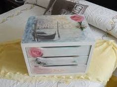 Resultado de imagen de cajas decorada con servilletas