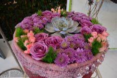 Keceli Virágfesztivál 2020. FLORA Virágfesztivál és Keceli Országos Fazekas Kiállítás - Programturizmus Succulents, Floral Wreath, Wreaths, Plants, Floral Crown, Door Wreaths, Succulent Plants, Deco Mesh Wreaths, Plant