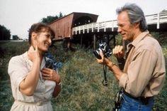 'As Pontes de Madison' (1995):  Clint Eastwood não vive apenas de westerns. Prova disso é que o ator se deu bem na direção de dramas e romances como este 'As Pontes de Madison', que deu a Meryl Streep mais uma de suas várias indicações ao Oscar. Aqui ela interpreta Francesca, uma mulher casada que se envolve com um fotógrafo da 'National Geographic' (Eastwood), que vai até a cidade que dá título ao longa para clicar suas famosas pontes. O filme se passa em 1965 e é narrado em flashback, por…