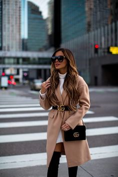 Gucci belt over camel coat Belt Bag Outfit Belt camel Coat Gucci Winter Fashion Outfits, Fall Winter Outfits, Look Fashion, Autumn Fashion, Gucci Fashion, Gucci Outfits, Mode Outfits, Cute Casual Outfits, Stylish Outfits