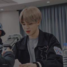 Bts Jimin, Jimin Hot, Foto Bts, Bts Photo, Mochi, Park Jimin Cute, Park Ji Min, Jimin Wallpaper, Bts Aesthetic Pictures