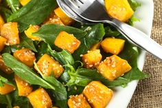 Honey Roasted Pumpkin Spinach Salad try butternut squash add rice Whole Food Recipes, Healthy Recipes, Cheap Recipes, Healthy Foods, Dirt Cheap Meals, Roast Pumpkin, Think Food, Spinach Salad, Fabulous Foods