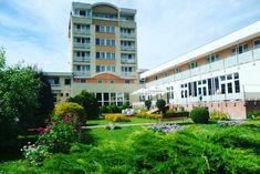 Hotel Prameň Dudince v centre kúpeľného mesta Dudince. Pobyty v hoteli: liečebno - rehabilitačné, víkendové, relaxačné, rekondičné, seniorské. Multi Story Building, Image
