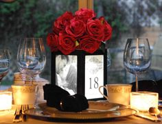 Table Centerpieces, Wedding Centerpiece, Banquet Centerpiece, Events Centerpiece and Restaurant Table Tent Illuminated and revolving