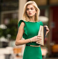 Forever New Green Dress. I wish this style was nice on me. I tried on the cream but it wasn't that fab. still a beautiful dress although Green Work Dresses, Green Dress, Forever New Dress, Robe Bodycon, Black Jewel, Frill Dress, Street Style, Ruffle Shorts, Pencil Dress
