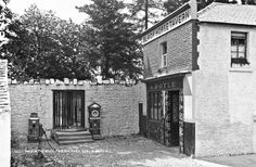 """""""Hole in the Wall"""", Phoenix Park, Dublin City, Co. Dublin Pubs, Dublin Street, Dublin City, Dublin Ireland, Ireland Pictures, Old Pictures, Old Photos, Best Pubs, Photo Engraving"""