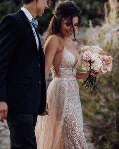 Summer Wedding - Style Me Pretty Wedding Dress Organza, Wedding Gowns, Wedding Bride, Wedding Ideas, Ball Gown Dresses, Bridal Dresses, Wedding Dress Gallery, Perfect Day, Junior Bridesmaid Dresses