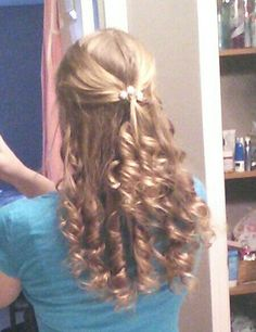 Great curly prom hair