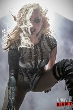 Epic Firetruck's Maria Brink & In This Moment - Moser Photoworks ~ Maria Brink, Hard Rock, Blossom Music Center, Heavy Metal Girl, Ladies Of Metal, Women Of Rock, Pop Rock, Badass Women, Female Singers
