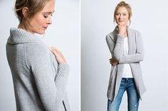 Strick' dir einen Cardigan für jede Gelegenheit einfach selbst! Mit der Strickanleitung von Vera Sanon kannst du die stylishe Strickjacke easy nacharbeiten und das passende Material gibt's bei uns im Shop!