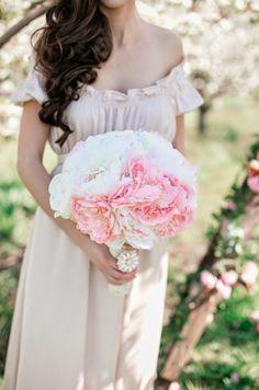 Trendy Wedding, blog idées et inspirations mariage ♥ French Wedding Blog: {Jessica & Vitaliy} A Blushing Romance • Mariage de printemps