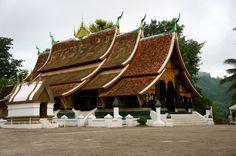 """Cet ensemble d'édifices sacrés de la """"ville de l'arbre de l'illumination"""" est le plus riche de Luang Prabang. (Photo prise par wertheim)"""