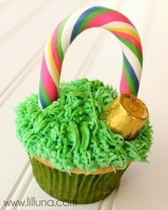 St. Patrick's Cupcakes by @kristynm