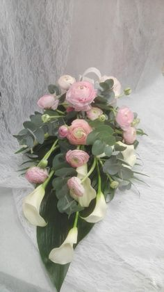 Grave Decorations, Sympathy Flowers, Deco Floral, Funeral Flowers, Flowers Perennials, Ikebana, Colorful Flowers, Flower Arrangements, Floral Wreath