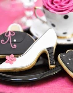 Shoe and purse cookies