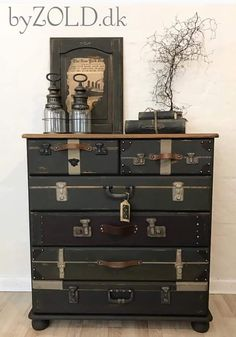 furniture Koffer comode How to build a Green-house Article Body: As with garden shed Funky Furniture, Refurbished Furniture, Repurposed Furniture, Furniture Projects, Furniture Makeover, Painted Furniture, Dresser Repurposed, Furniture Buyers, Repurposed Items