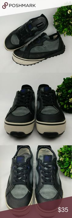"""Sorel hidden wedge platform sneaker leather wool Sorel hidden wedge platform sneaker  leather/ wool. Black/grey/off white colors Have been washed and sanitized.  There are some scuffs and stains.(Pictured) 1"""" heel 1/2"""" platform Size 8.5 25.5 cm Sorel Shoes Sneakers"""