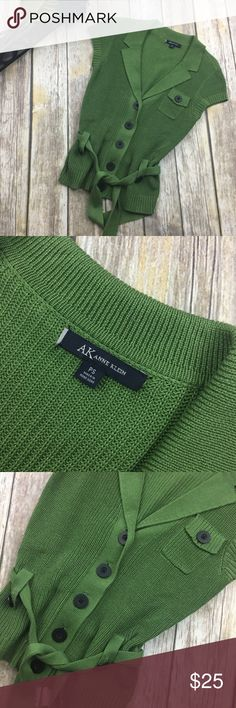 🎈 Anne Klein Green Short Sleeve Sweater Cover Up Green crochet button down cover up.size PS. In excellent used condition. Comes with belt. Has 1 tiny useable pocket.24 inches long. 17 inch bust line laying flat without stretching material. 100% cotton. Anne Klein Tops