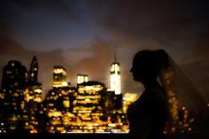 Um ensaio de noivos com um cenário diferente do que estamos acostumado a ver. Os noivos resolveram voar até às ruas de NY para fazer a sessão de fotos.