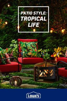 Bring an island vibe to your patio with tropical patio decor. Small Backyard Pools, Backyard Patio, Patio Tropical, Things To Do At Home, Outdoor Living Rooms, French Country Bedrooms, Back Patio, Backyard Projects, Decoration
