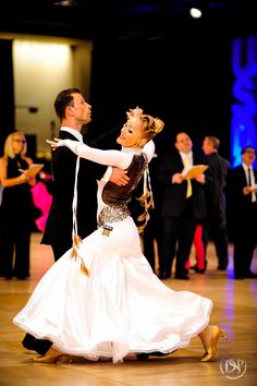 Congratulations to the 2015 USDC International Style Ballroom Pro/Am Champions! United States Dance Championships Year in Review 2015 http://usdancesportseries.com/ Upcoming Events Holiday Dance Classic Championships / Dec 8 - 13, 2015 Golden Star Dancesport Championships / Jan 28 - 31, 2016 Heritage Classic Dancesport Championships / Mar 1 - 5, 2016 Southern States Dancesport Championships / Mar 22 - 27, 2016 .. USDC Championships - GRAND FINALE / Sep 5 - 10, 2016