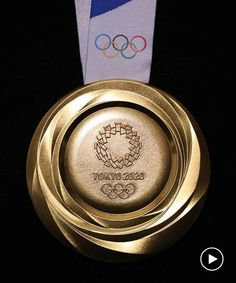 tokyo 2020 unveils olympic medals made from recycled phone metals 2020 Olympics, Tokyo Olympics, Summer Olympics, Organizing Committee, Award Display, Certificate Frames, Olympic Gold Medals, Tokyo 2020, Kintsugi