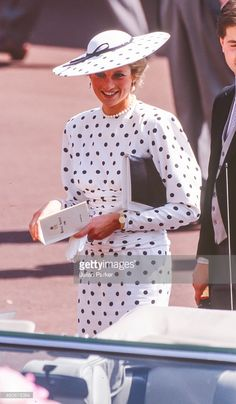 Diana, Princess of Wales attends The Royal Ascot race meeting, on June 15, 1988 in Ascot ,United Kingdom. (Photo by Julian Parker/UK Press via Getty Images)