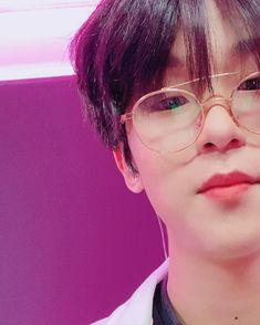 Kpop Rappers, Hip Hop, Babe, Stray Kids Seungmin, Korean Artist, Pretty Men, Background Pictures, Actor Model, Just Amazing
