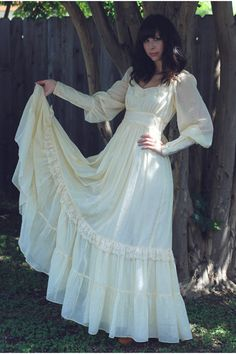 Gunne Sax Dress - THE fashion dress to have in the late 1970s