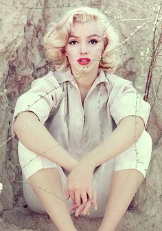 Marilyn Monroe photographed by Milton Greene (1953).