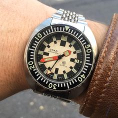 Vintage Dive Watches, Retro Watches, Cool Watches, Watches For Men, Men's Watches, Royce, Affordable Watches, Victorinox Swiss Army, Swiss Army Watches
