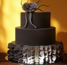 I love the color and the ruffles #wedding #weddingcakes #dreamscometruewedding