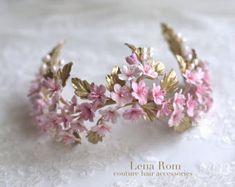 Lily of the valley headpiece. Bridal crown. por LenaRomHeadpieces