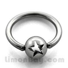 Anillo cerrado con bola perforada en forma de estrella